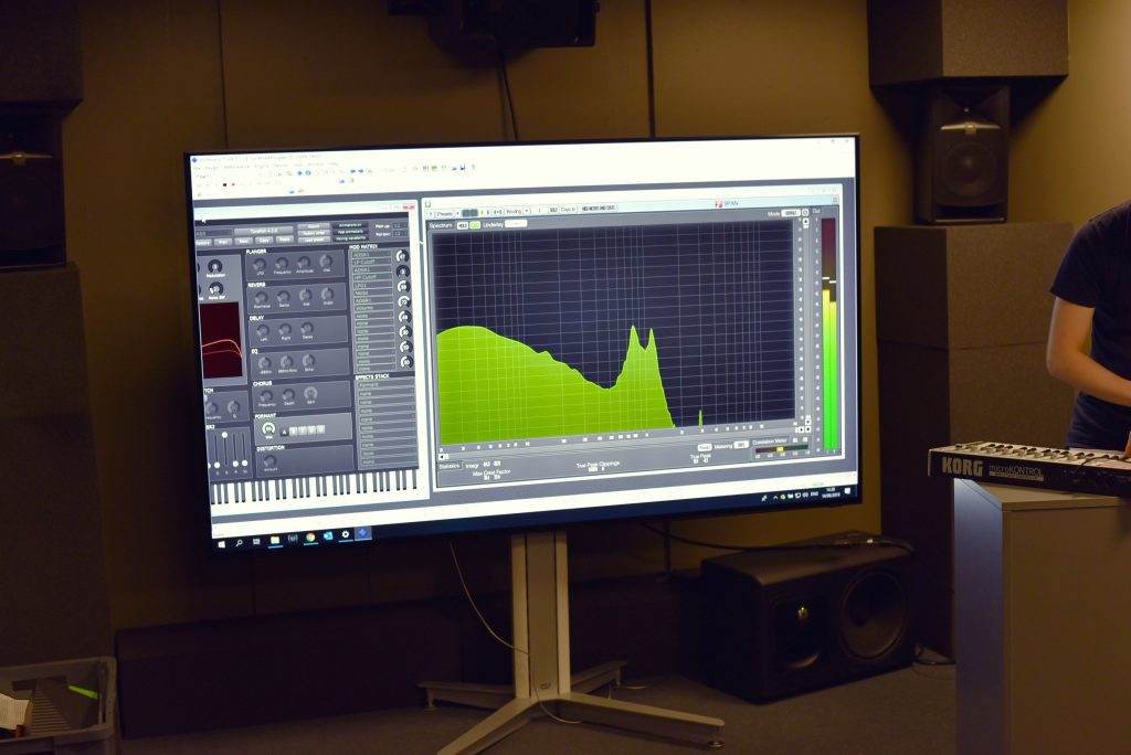 Demos at CIVIT: Audio feedback with synthetic sounds by TAUCHI
