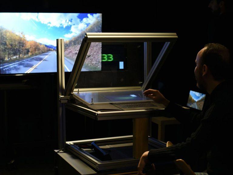 Head-up-display prototype at CIVIT (Erdem Sahin, Ugur Akpinar)